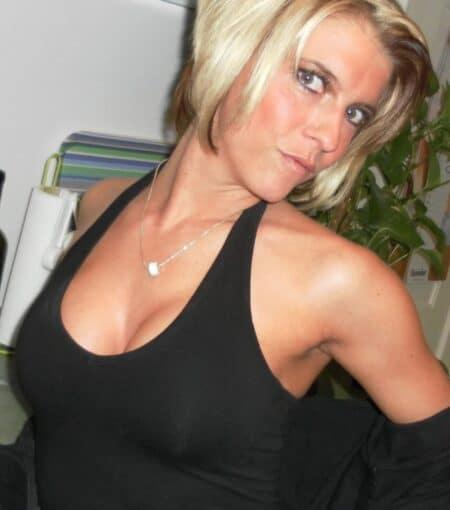 Femme sexy soumise pour gars sérieux